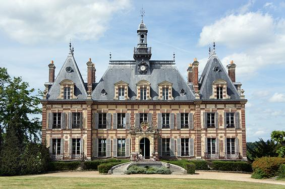 chateau nogent le roi